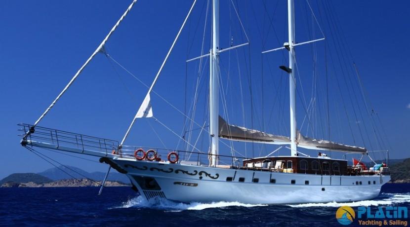 Crewed Gulet Charter 33