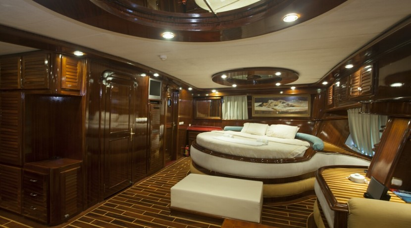 Luxury Gulet Rental 23