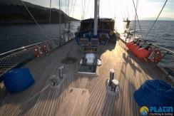 Luxury Yacht Charter 02