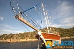 Luxury Yacht Charter 04