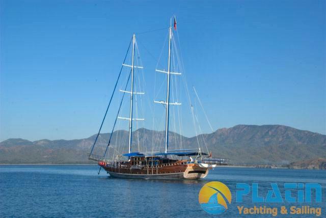 Luxury Yacht Charter 05