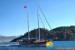 Luxury Yacht Charter 07