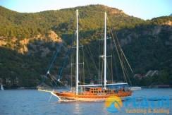 Luxury Yacht Charter 09