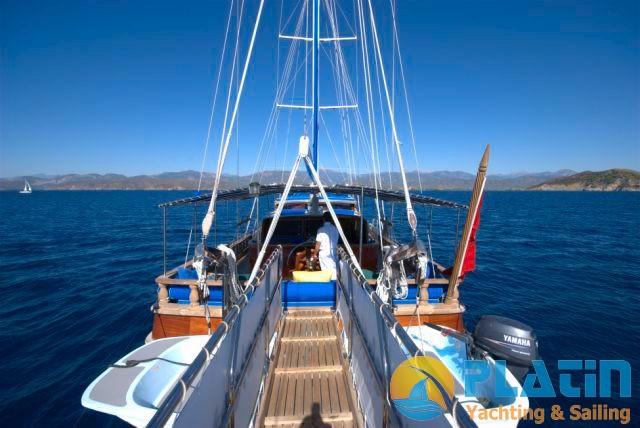 Luxury Yacht Charter 10