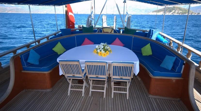 Luxury Yacht Charter 12