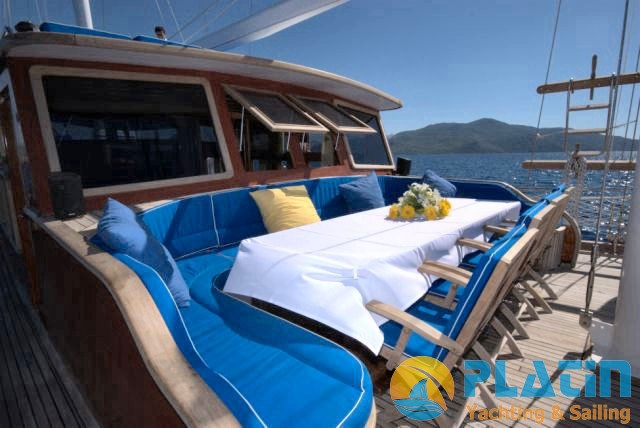 Luxury Yacht Charter 15