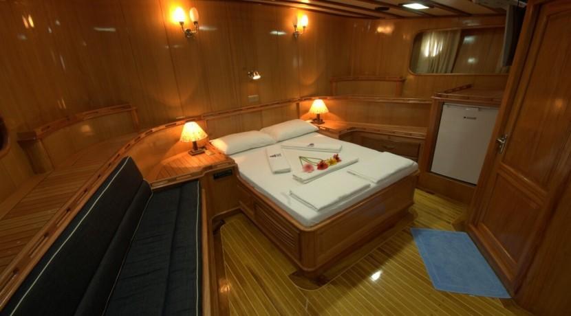 Luxury Yacht Charter 19
