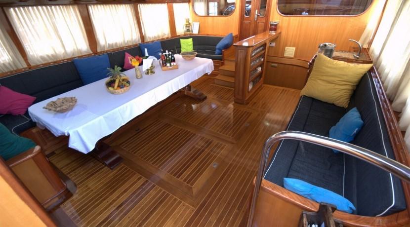 Luxury Yacht Charter 21