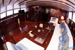 Luxury Yachts Charter 05