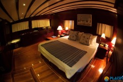 Luxury Yachts Charter 12