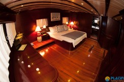 Luxury Yachts Charter 13