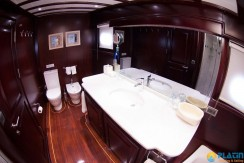 Luxury Yachts Charter 14