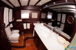 Luxury Yachts Charter 18