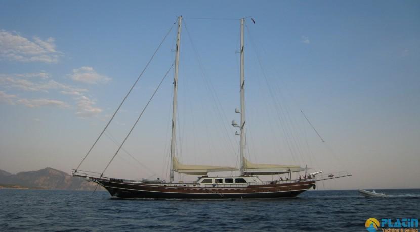 Yacht Charter Mediterranean 03