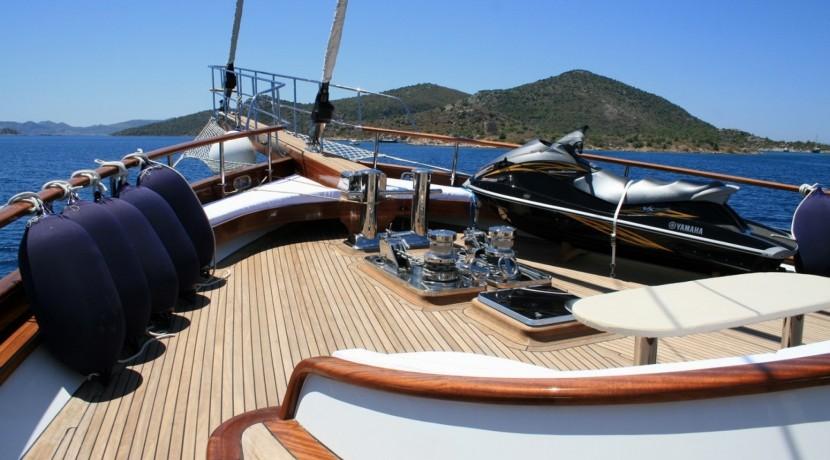 Yacht Charter Mediterranean 04