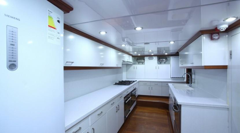 Yacht Charter Mediterranean 06