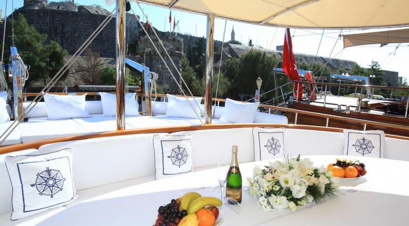 Yacht Charter Mediterranean 14