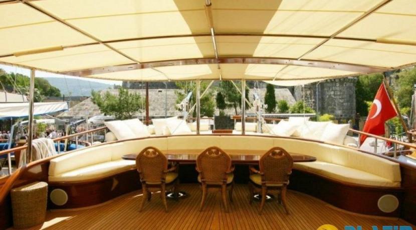 Yacht Charter Mediterranean 21