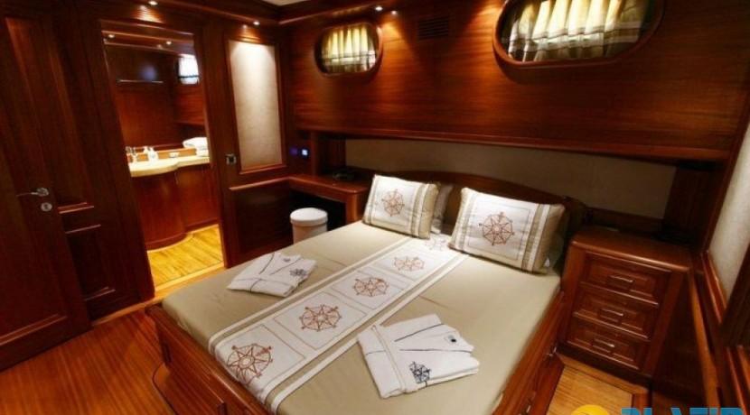 Yacht Charter Mediterranean 25