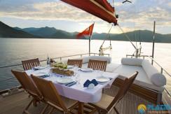 Luxury Yacht Rental 05