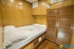 Luxury Yacht Rental 11