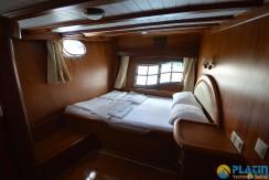 Small 4 Cabin Yacht 04