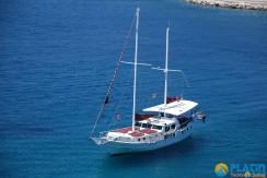 Small 4 Cabin Yacht 12