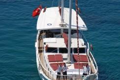 Small 4 Cabin Yacht 13