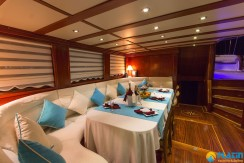 Yacht for Charter Marmaris 27