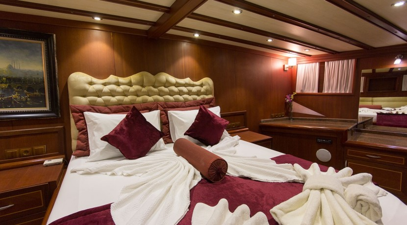 Yacht for Charter Marmaris 32