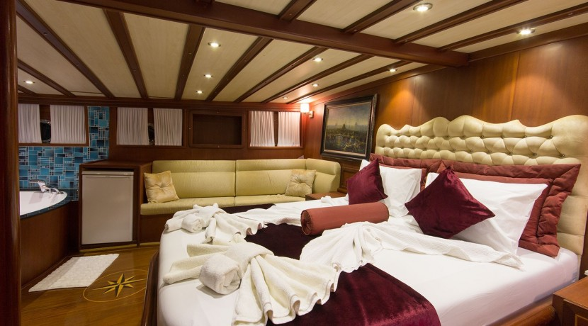 Yacht for Charter Marmaris 34
