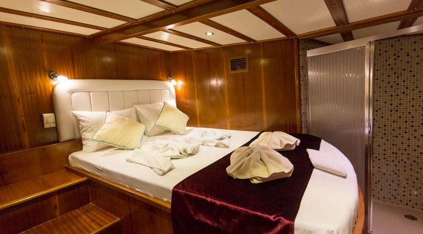 Yacht for Charter Marmaris 35