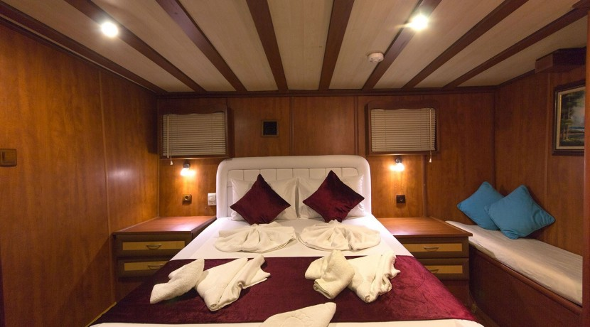 Yacht for Charter Marmaris 39