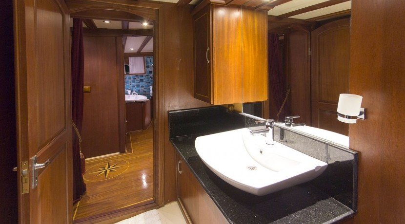 Yacht for Charter Marmaris 42